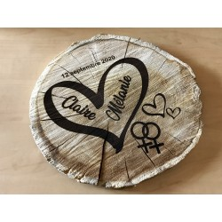 Round engraved wooden slice